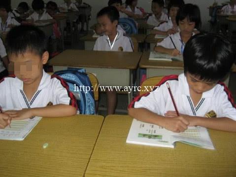老师背书的:看小学生橡皮外观认学霸,十有八九都中招
